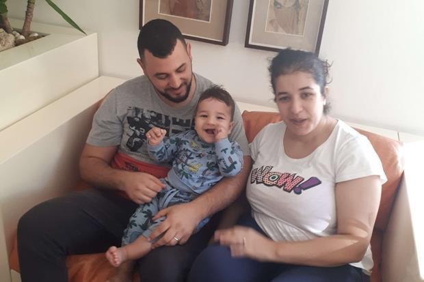Saif con mamma e papà