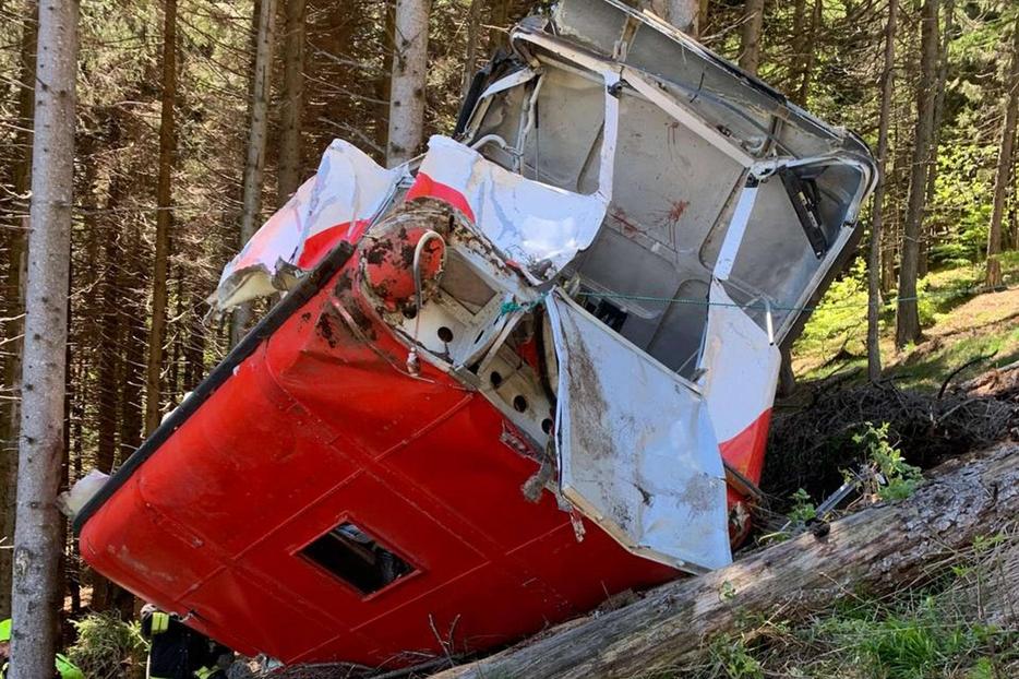 I resti della cabina precipitata