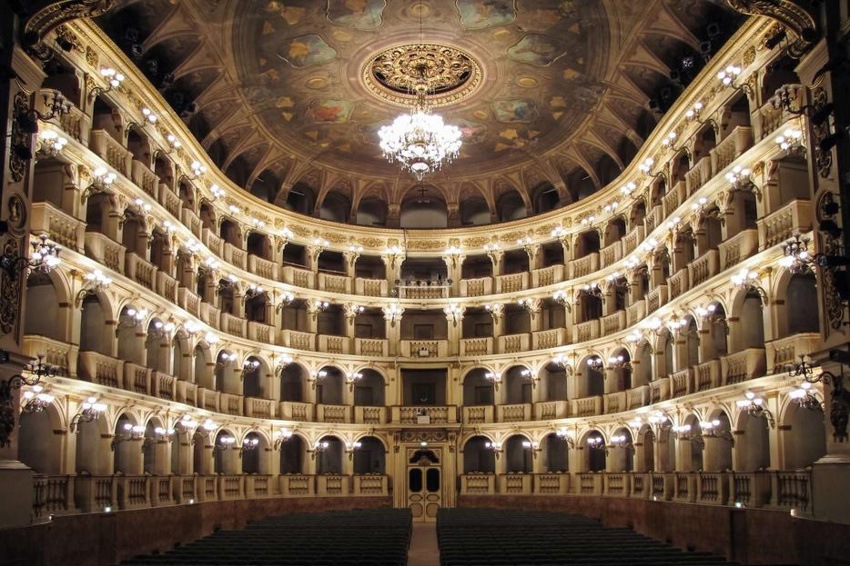 Il Teatro Comunale di Bologna dove ha debuttato in Italia la prima opera di Wagner nel 1871