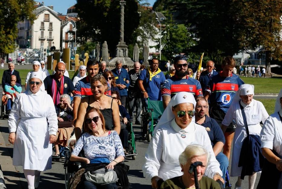 Un gruppo di pellegrini italiani a Lourdes