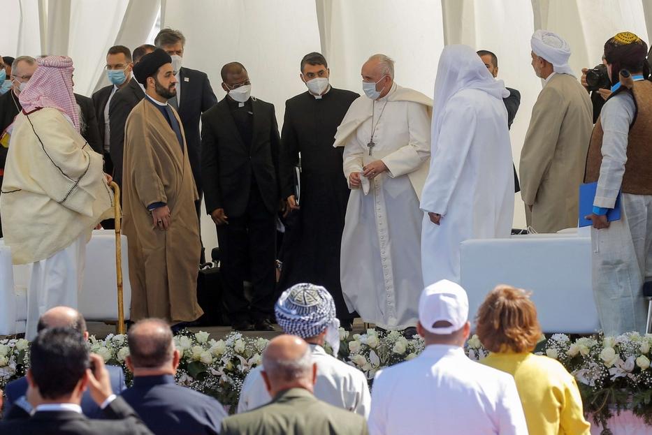 Il Papa all'incontro interreligioso di Ur, patria di Abramo, nella piana dei Caldei