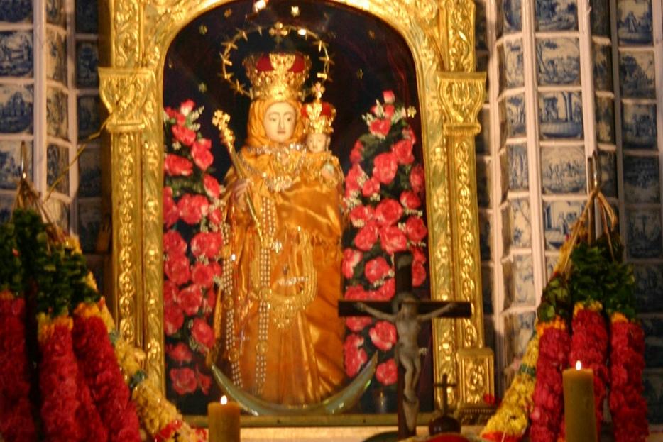 La statua dedicata a Nostra Signora della Salute