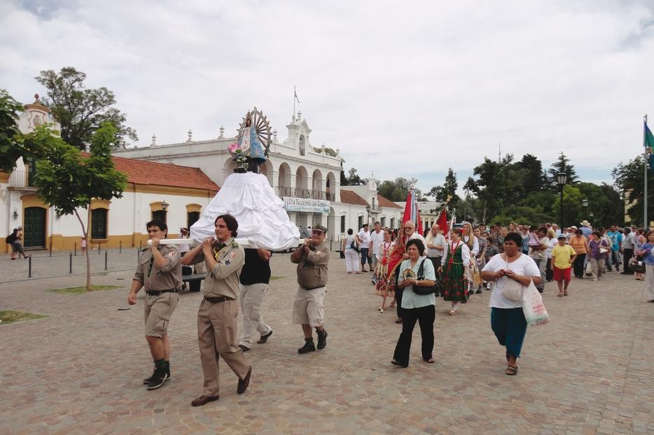 La devozione popolare dei fedeli argentini