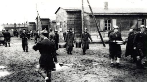 La vita degli internati militari italiani in un campo di prigionia