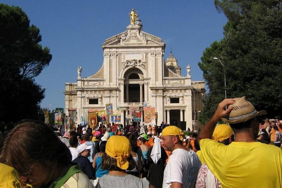 La festa del Perdono di Assisi in un'immagine d'archivio negli anni prima del Covid