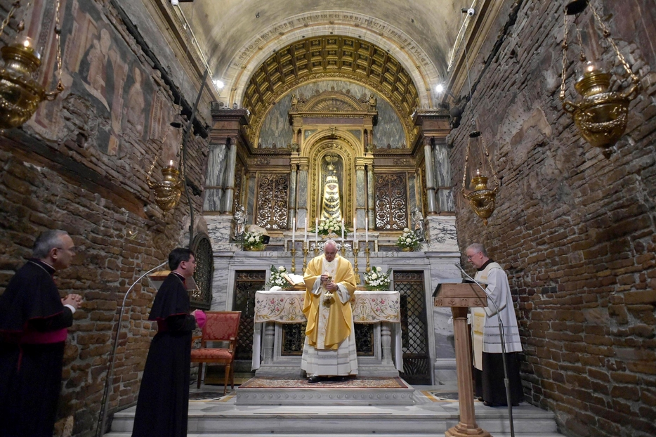 Papa Francesco a Loreto nel 2019.