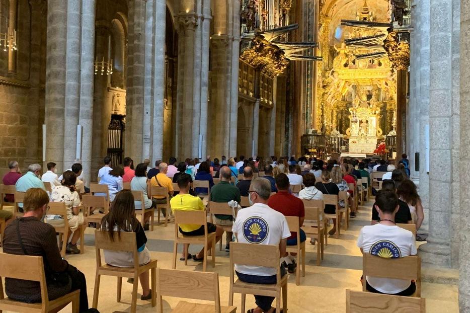 I pellegrini nella Cattedrale di Santiago di Compostela