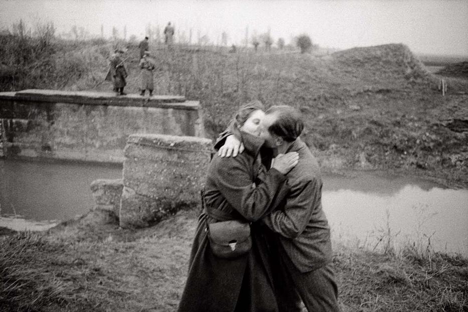 Al confine tra Austria e Ungheria, 1954