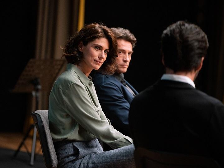 Anna Valle è Irene nella serie tv 'La compagnia del cigno 2', in onda la domenica sera su Rai 1. Con lei Alessio Boni (il maestro Marioni)