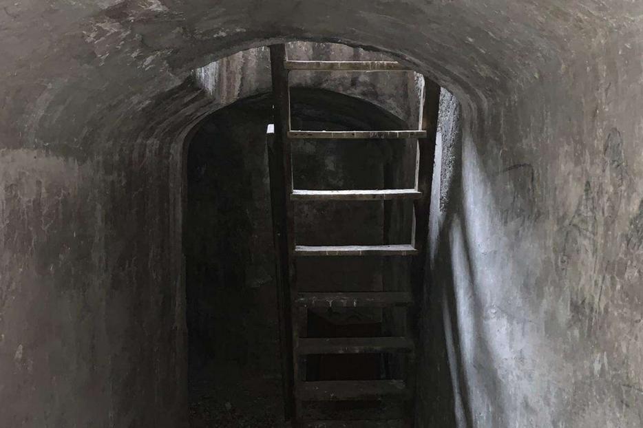 La scaletta che conduceva al nascondiglio