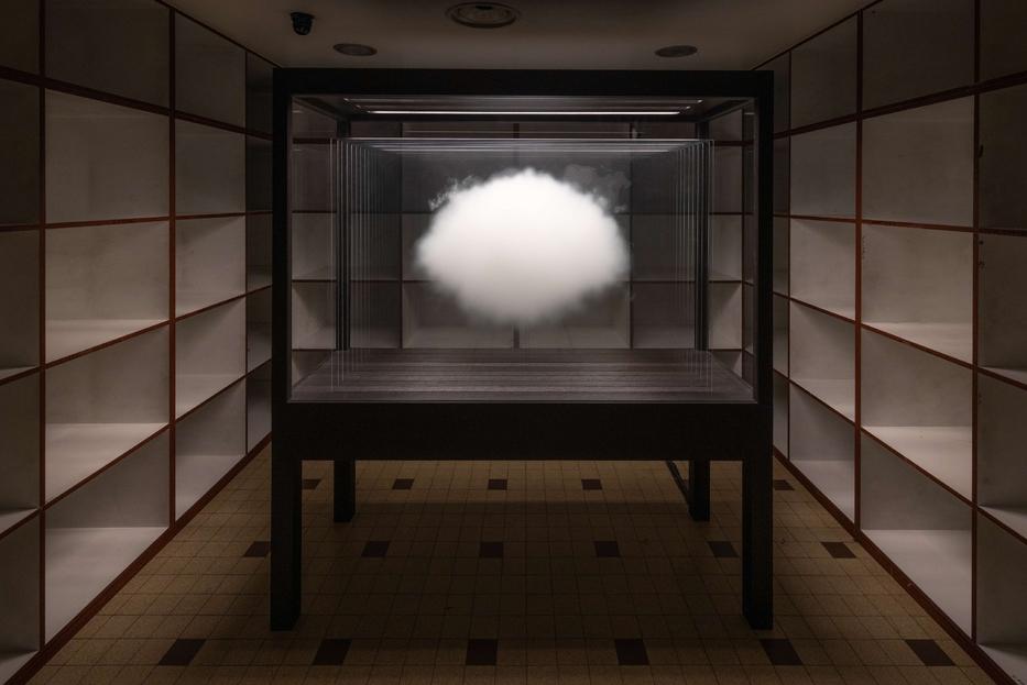 """Leandro Erlich, """"Champignon Collection de Nuages"""", 2018. L'opera è esposta nella mostra """"Nulla è perduto"""" dal 14 ottobre al 13 febbraio alla GAMeC di Bergamo"""