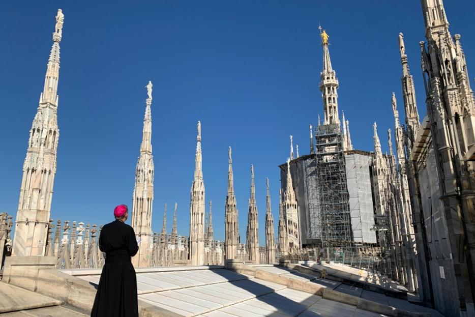 La preghiera per la liberazione dal Covid dell'arcivescovo di Milano, Mario Delpini