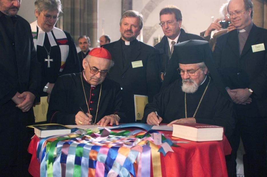 22 aprile 2001, la firma della Charta Oecumenica