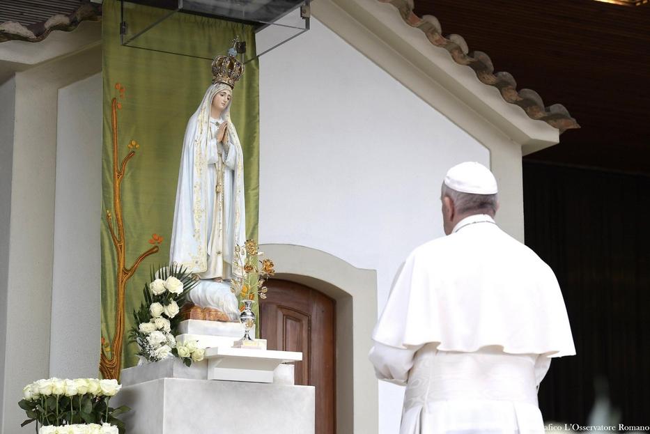 Papa Francesco a Fatima il 13 maggio 2017