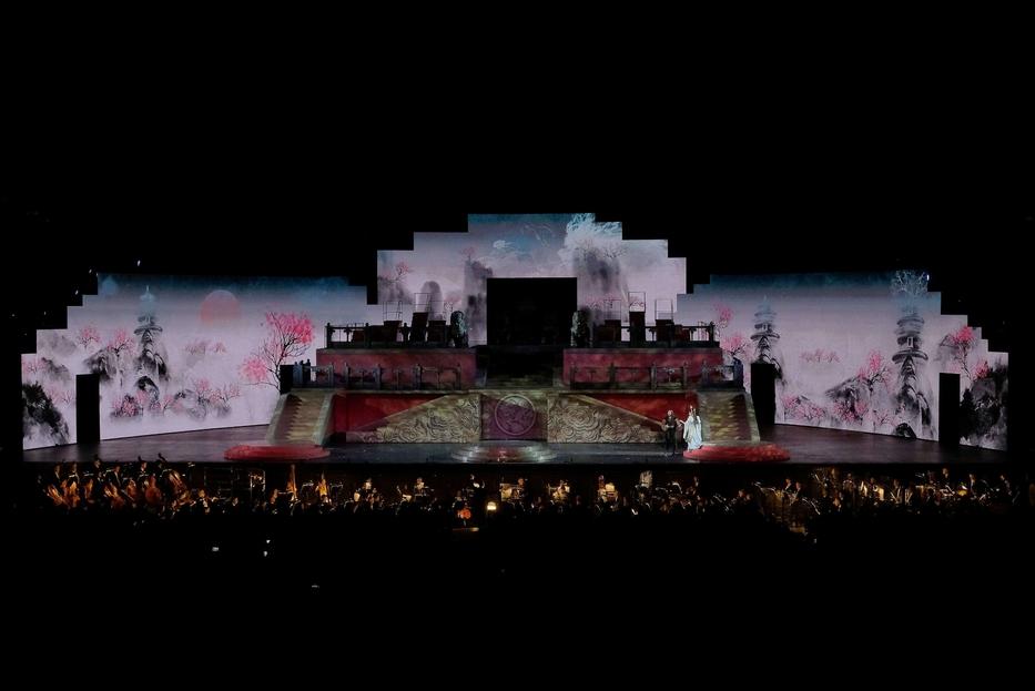 Una scena della 'Turandot' all'Arena di Verona