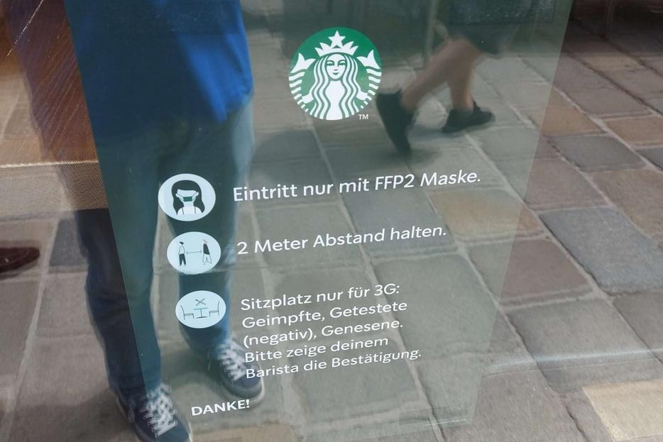 In Austria le tre 'G' per entrare in un locale: sono ammessi solo 'vaccinati', 'testati' o 'guariti'