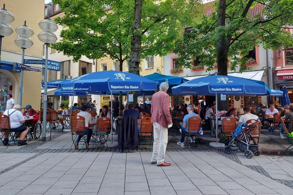 A Monaco di Baviera l'ingresso ai ristoranti ha bisogno di un attestato di vaccinazione o del tampone