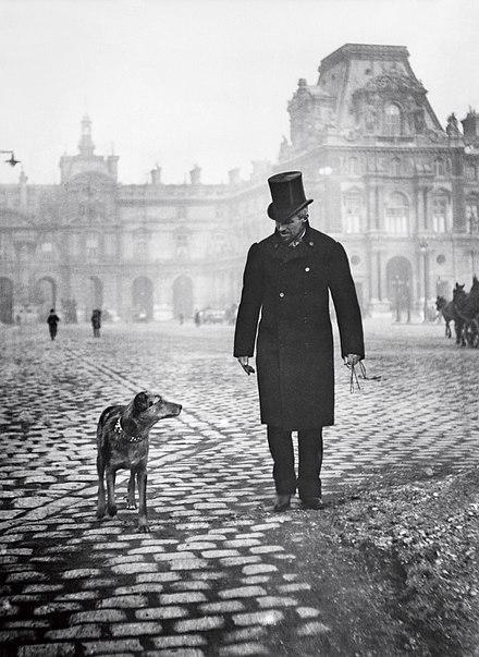 Gustave Caillebotte fotografato nel 1892 dal fratello Martial su place du Caroussel