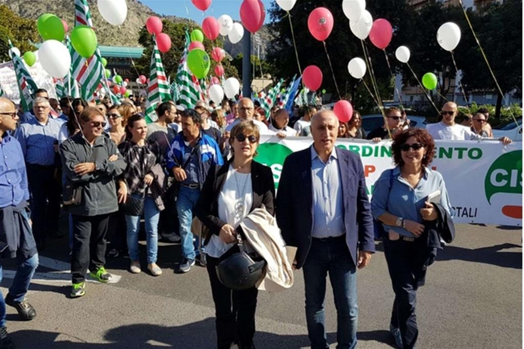 La manifestazione a Palermo (via Twitter) -