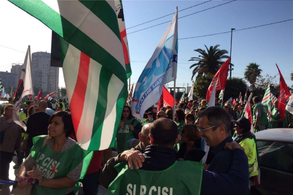 Dipendenti di Poste in sciopero in Sardegna (via Twitter) -