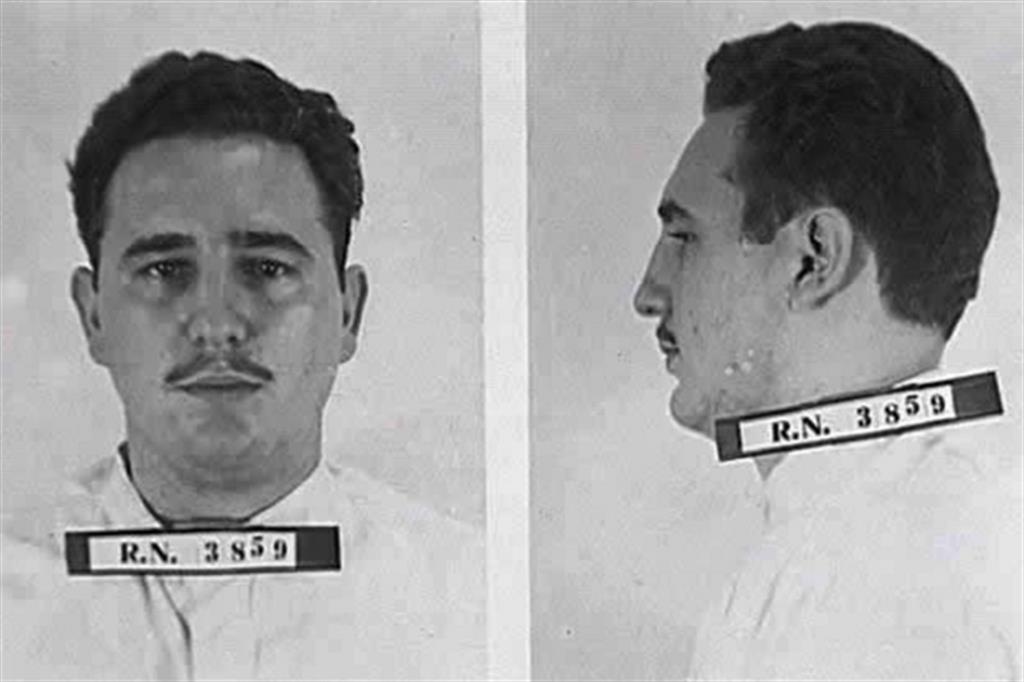 Fidel viene imprigionato dopo il fallito attacco alla caserma di Moncada (1953) -