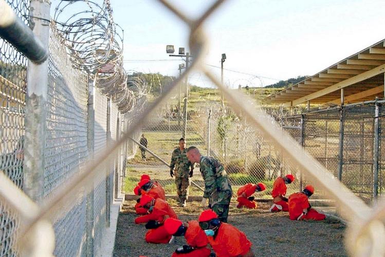 Obama: Guantanamo è inutile, va chiuso