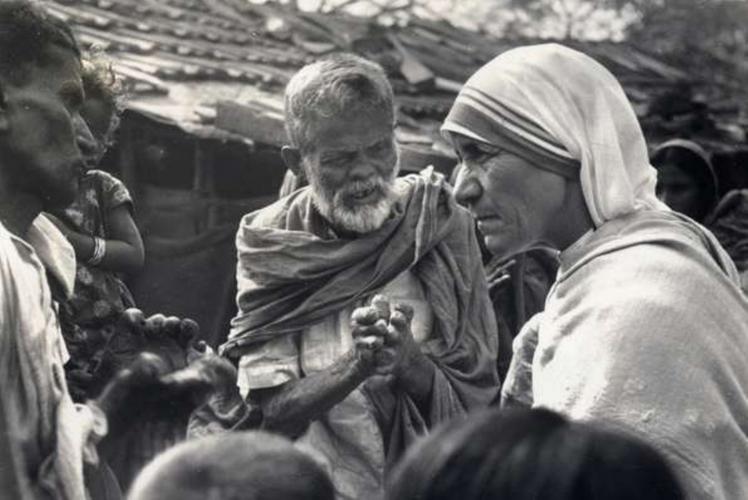 Madre Teresa di Calcutta, il 15 marzo il decreto