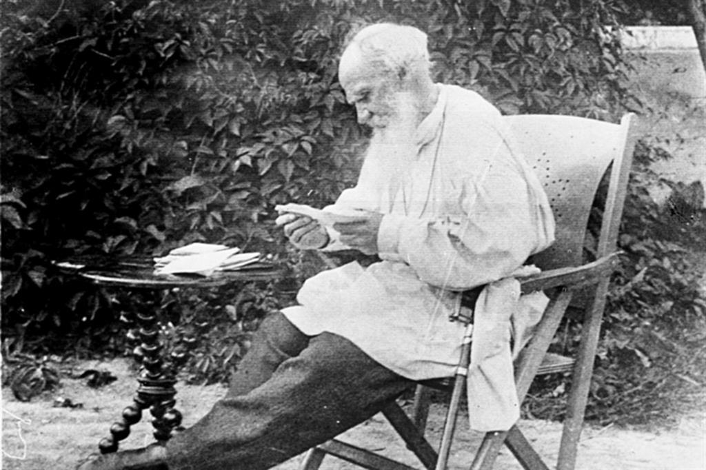 Il vecchio Tolstoj e la notte oscura