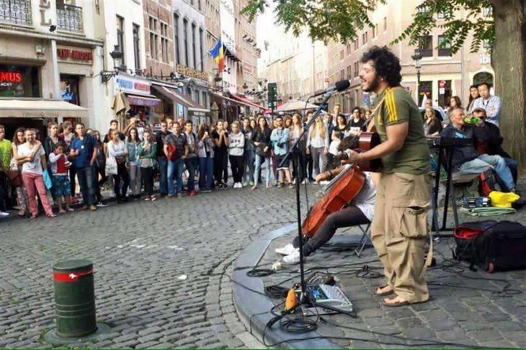 Artisti di strada nuova scelta di vita - Diversi tipi di musica ...