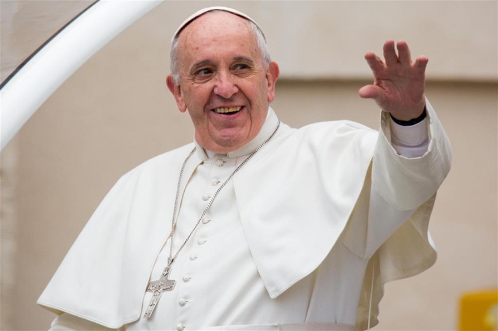 Risultato immagini per foto del papa francesco