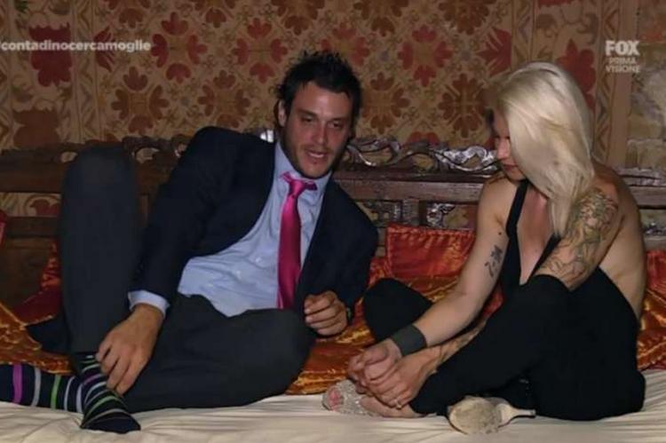 sposare un milionario dating show rapporto di mercato dating online