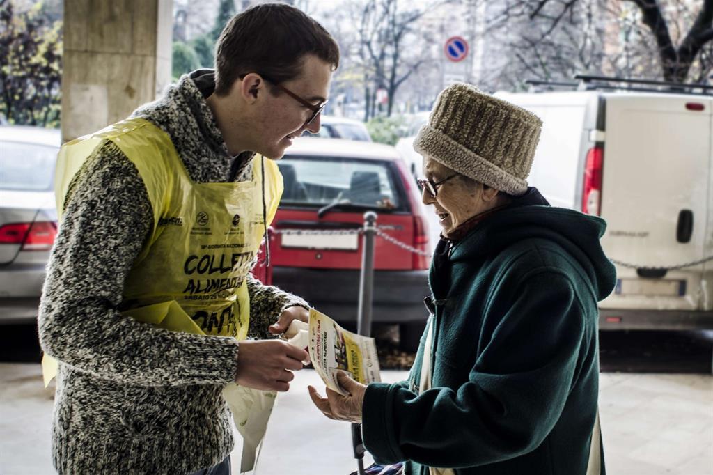fare la spesa per i poveri, ecco come partecipare