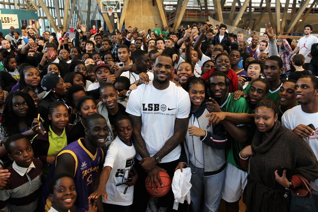 best loved f9c04 4398e LeBron James, l anello del Re