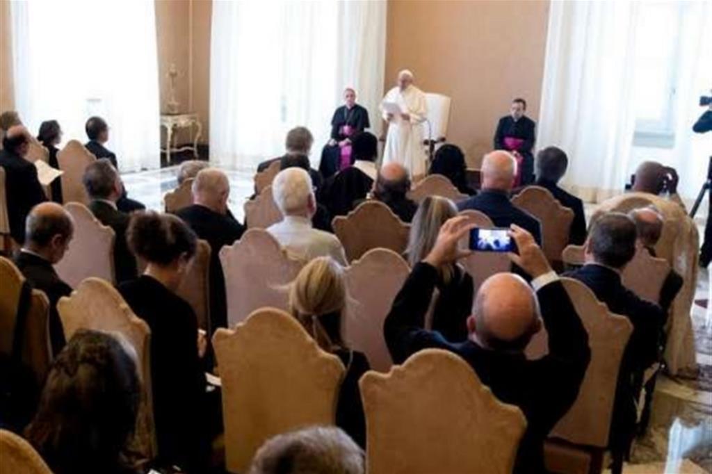 Il Papa ha ricevuto in udienza i magistrati della Direzione nazionale antimafia e antiterrorismo (Osservatore Romano)