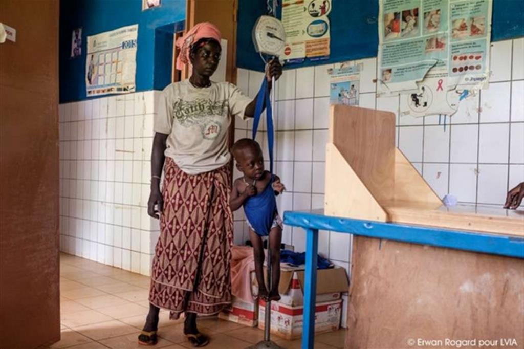 Altrettanto importante rispetto alla cura è l'attività di prevenzione: le mamme vengono invitate a periodici controlli -
