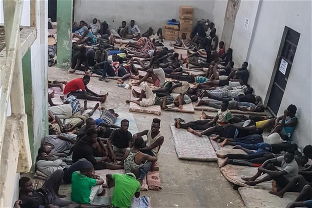 Risultati immagini per centri detenzione libi
