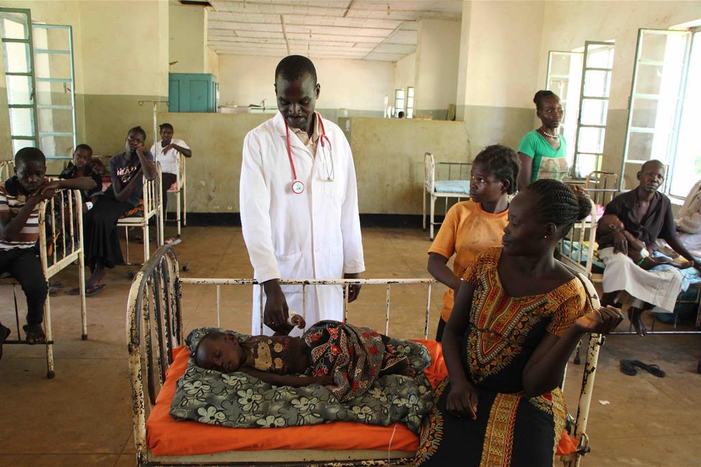 Basil Sam Benson, responsabile del reparto pediatrico dell'ospedale di Maridi