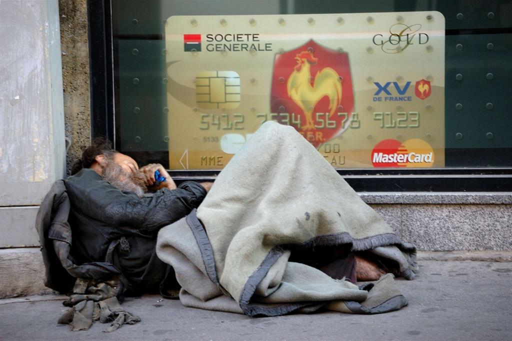 Il terzo posto nella categoria Disparità è la foto Ricchezza e povertà, contrasti dei tempi moderni, di Antonio Manidi -