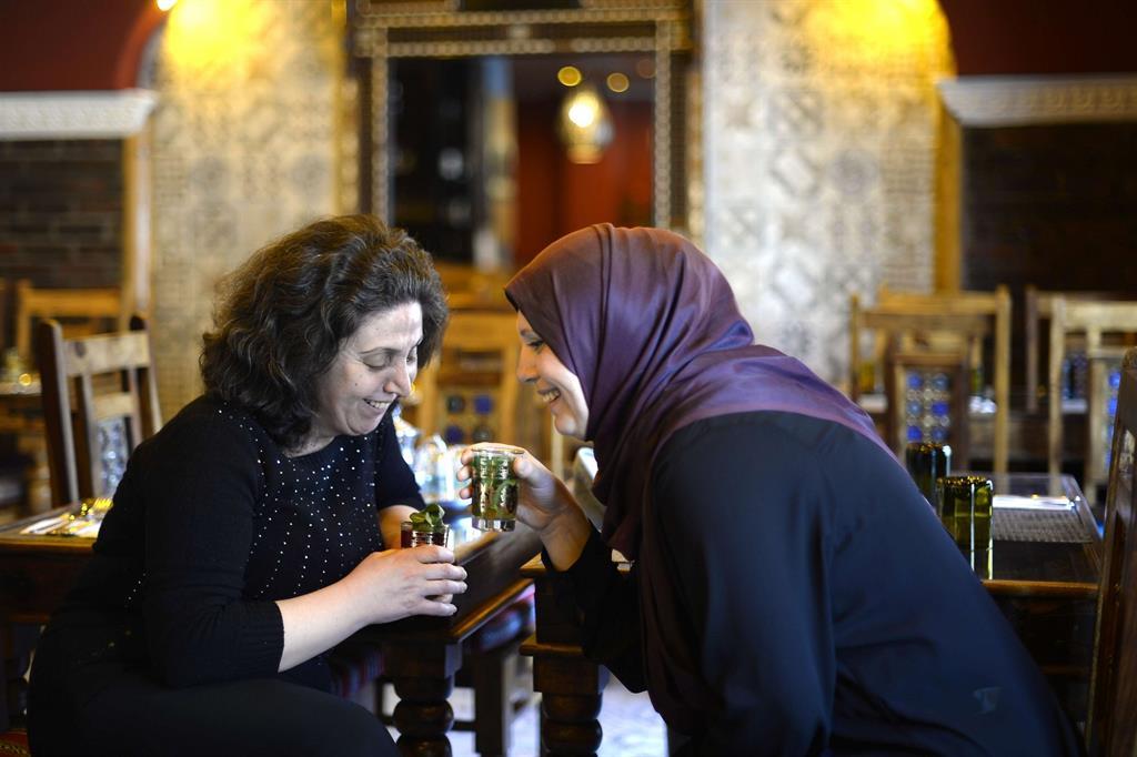Da aprile Oxfam aderisce al progetto Corridoi umanitari, inaugurato più di un anno fa dalla Diaconia valdese e dalla Comunità di Sant'Egidio, che ha già portato in Italia 700 rifugiati siriani vulnerabili, attraverso una via sicura e grazie a visti umanitari previsti dal diritto internazionale. -