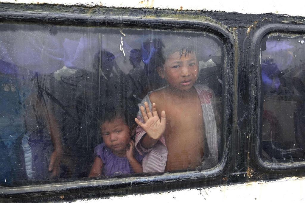 Almeno 370mila persone sono arrivate in Bangladesh nelle ultime 2 settimane -