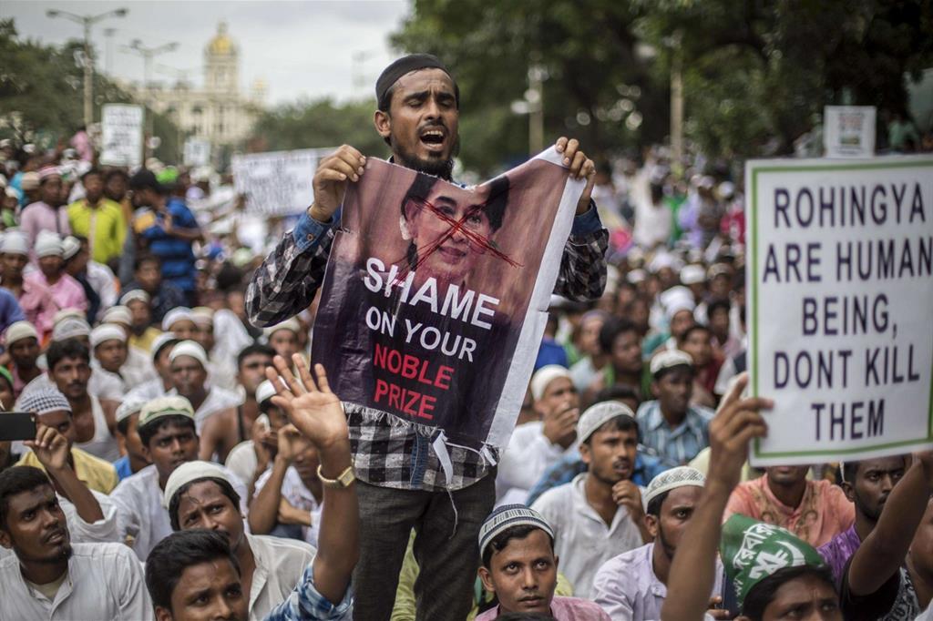 Intanto anche in India si registrano proteste contro il governo birmano -