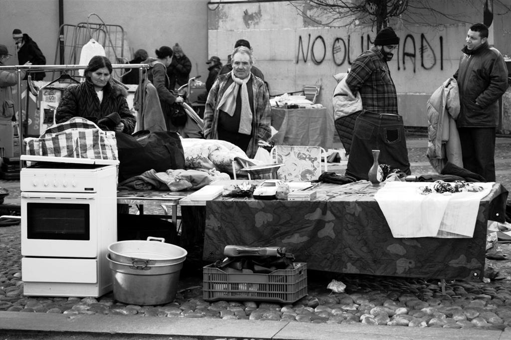 Avventori al mercato del Balon, a Torino (Giampaolo Squarcina, https://flic.kr/p/4h1FQq)