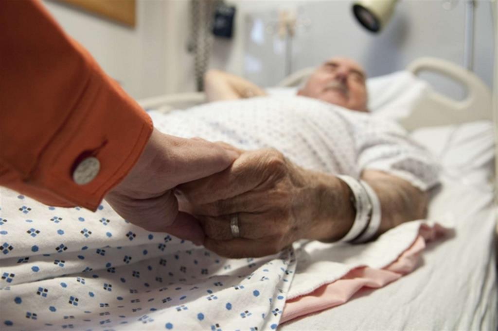 Appello di medici contrari alle Dat: «Legge inaccettabile»