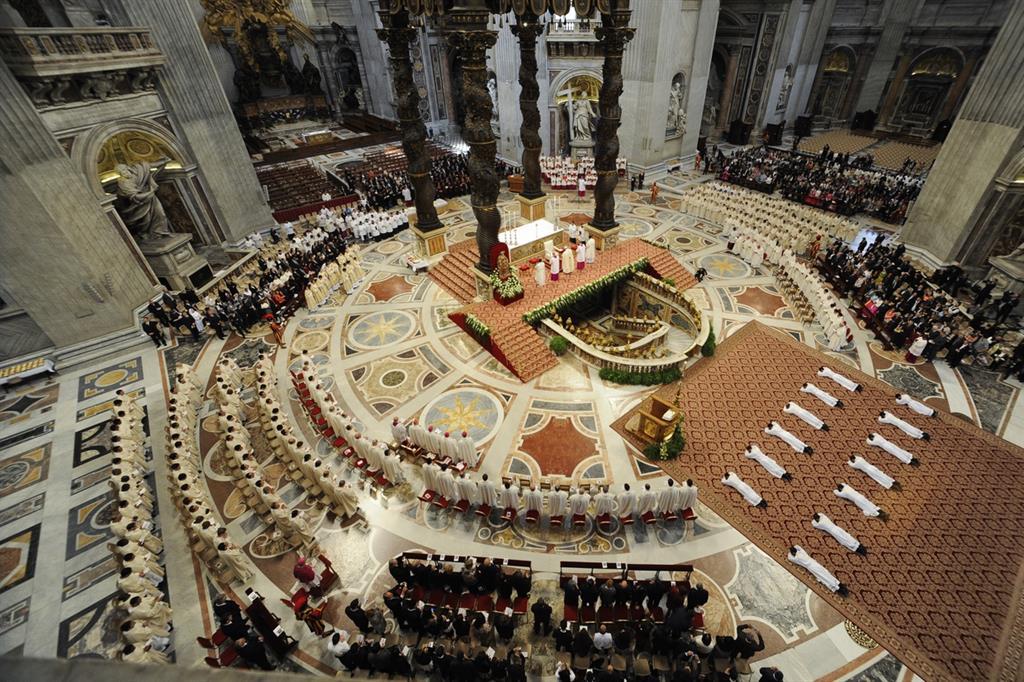 L'ordinazione di alcuni sacerdoti nella Basilica di San Pietro (Siciliani)