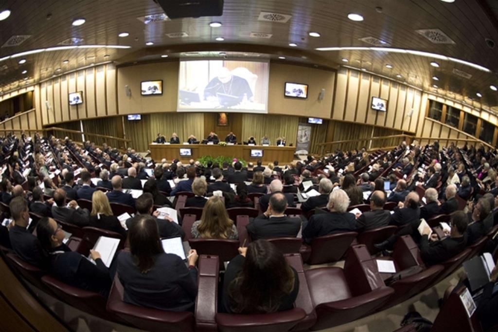 Un momento del simposio internazionale in Vaticano dedicato alle armi nucleari (Ansa)