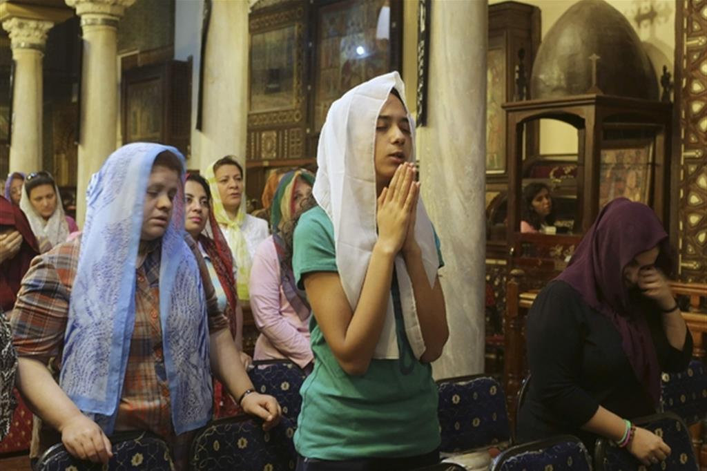 Cristiani copti in preghiera (Reuters)