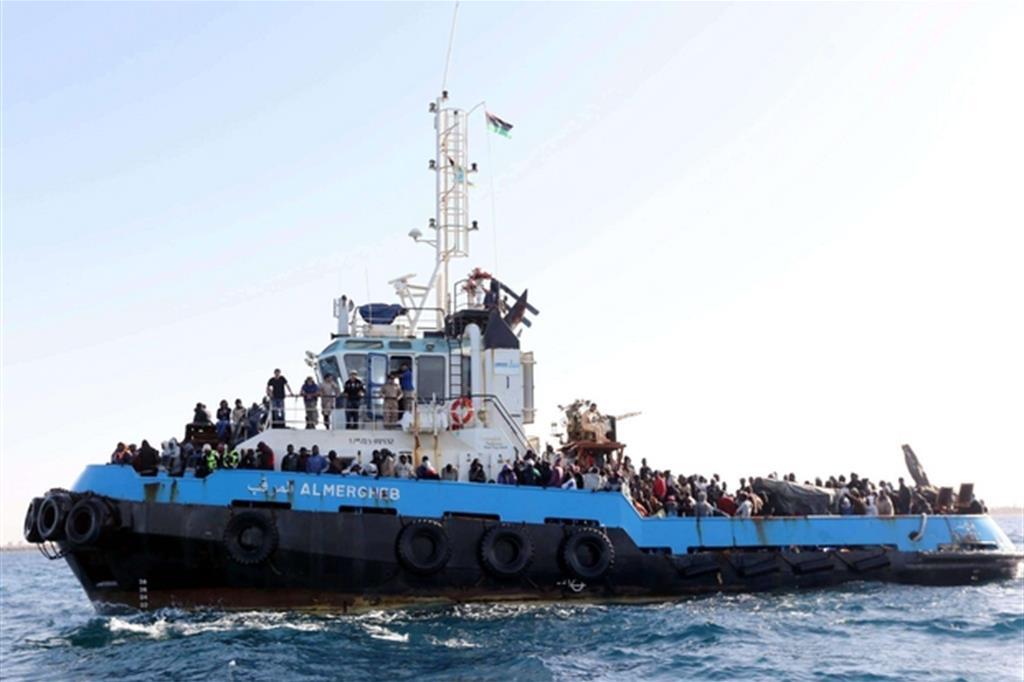 Sbarchi: oltre 2.500 salvati nel weekend
