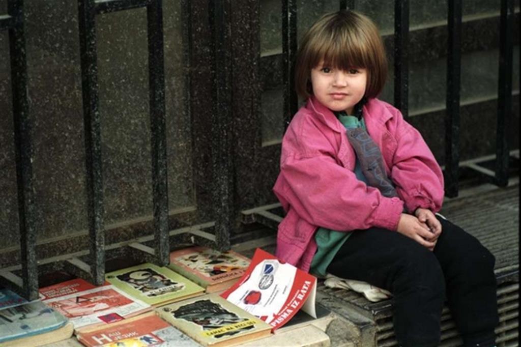 """Sarajevo, una piccola """"libraia"""" all'aperto"""