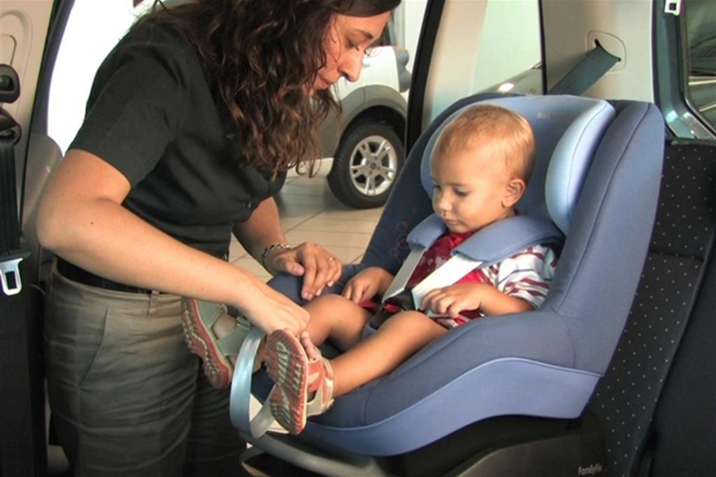 vendita a buon mercato usa sconto estremamente unico Bambini in auto: le 10 regole per viaggiare tranquilli