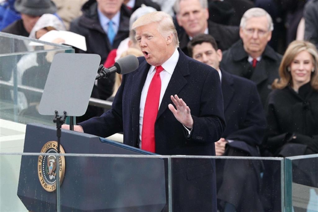 Trump pronuncia il primo discorso da presidente degli Stati Uniti -